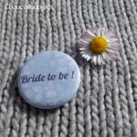 Kit de 2 badges Futurs Mariés - «Bride & Groom To Be»
