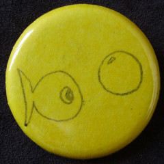 Badge Poisson Jaune