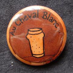 Badge-Au Cheval Blanc