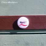 Badge/Magnet/Aimant Merci ! - Rubans Roses