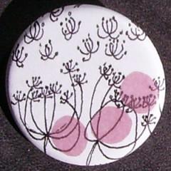 Badge Fleurs - Pastilles Rose Pâle