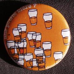 Badge Taverne - Une Petite Bière Orange
