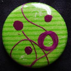 Badge Crépitement Fushia sur Pomme