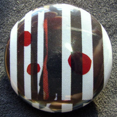 Badge Noir Blanc Rouge