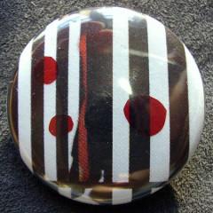 Badge Noir Blanc Rouge
