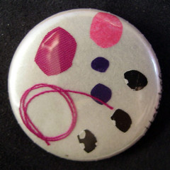 Badge Crépitement Rose Noir Blanc
