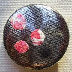 Badge Résille Petites Fleurs Roses