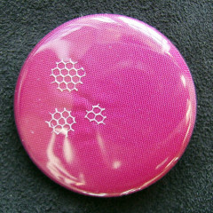 Badge Rose Amarante Tulle Blanc
