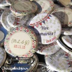 """Mariage """"Liberty Kaki"""", badges personnalisés de Marie-Lucie & Guillaume"""