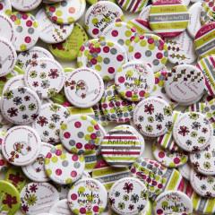 Badges mariage personnalisés Katrina & Denis – Vert, Rose & Gris