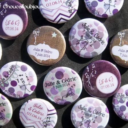 """Mariage """"Violet & Toile de Jute"""", badges personnalisés de Julie & Cédric"""