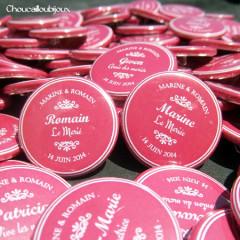 "Mariage ""Fuchsia & Ornement"", badges personnalisés de Marine & Romain"