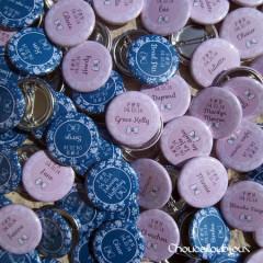 """Mariage """"Jeu en rose & bleu"""", badges personnalisés de Princia & N"""