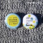 Badges mariage personnalisés Laura & Mathieu - Pois Vert Pomme et Bleu Turquoise