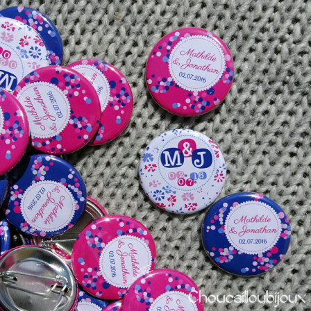 Badges mariage personnalisés Mathilde & Jonathan - Rose Fuchsia & Bleu Marine