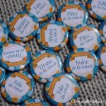 "Mariage ""Orange & Turquoise"", badges personnalisés de Karine & Philippe"