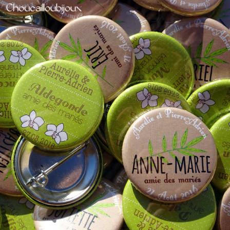 """Mariage """"Orchidée & Bambou"""", badges personnalisés de Aurélie & Pierre-Adrien"""