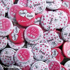 Badges mariage personnalisés Emilie & Elodie – Cœurs Roses!