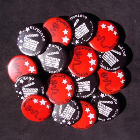 """Mariage """"Cinéma !"""", badges personnalisés de Fanny & Gaylord"""