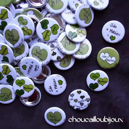"""Mariage """"Coeurs Verts"""", badges personnalisés de Julie & Mathieu"""