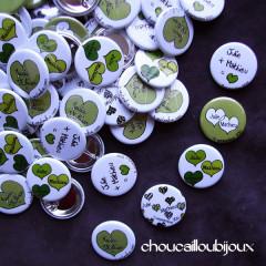 Badges mariage personnalisés Julie & Mathieu - Cœurs Verts