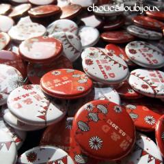 Badges mariage personnalisés Muriel & David – Rouge Guinguette